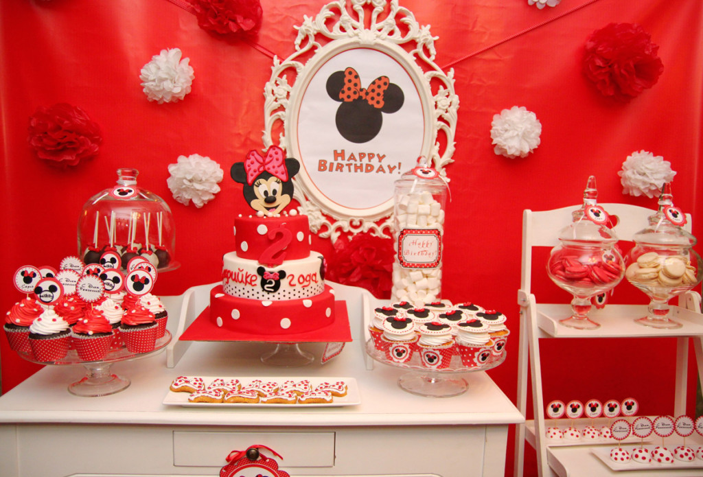 """Mickey Mouse"" birthday party, candy bar"