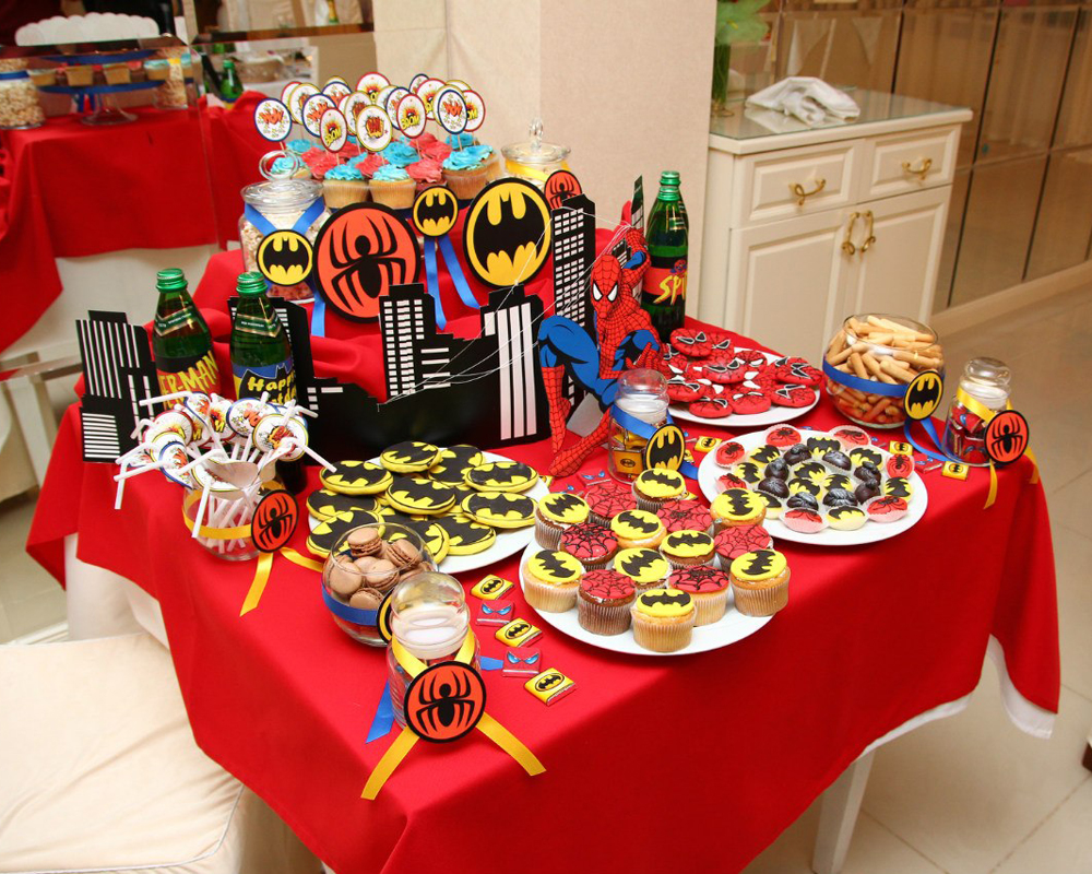 """Superheroes"" party, candy bar"