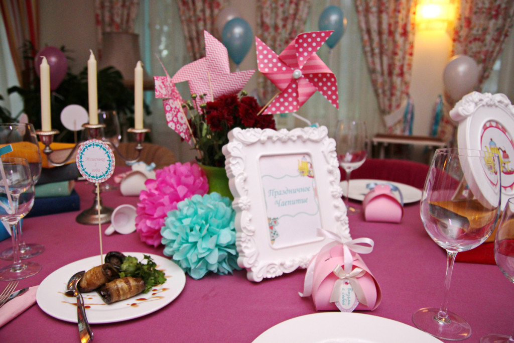 """""""Alice in Wonderland"""" party, table decorations"""