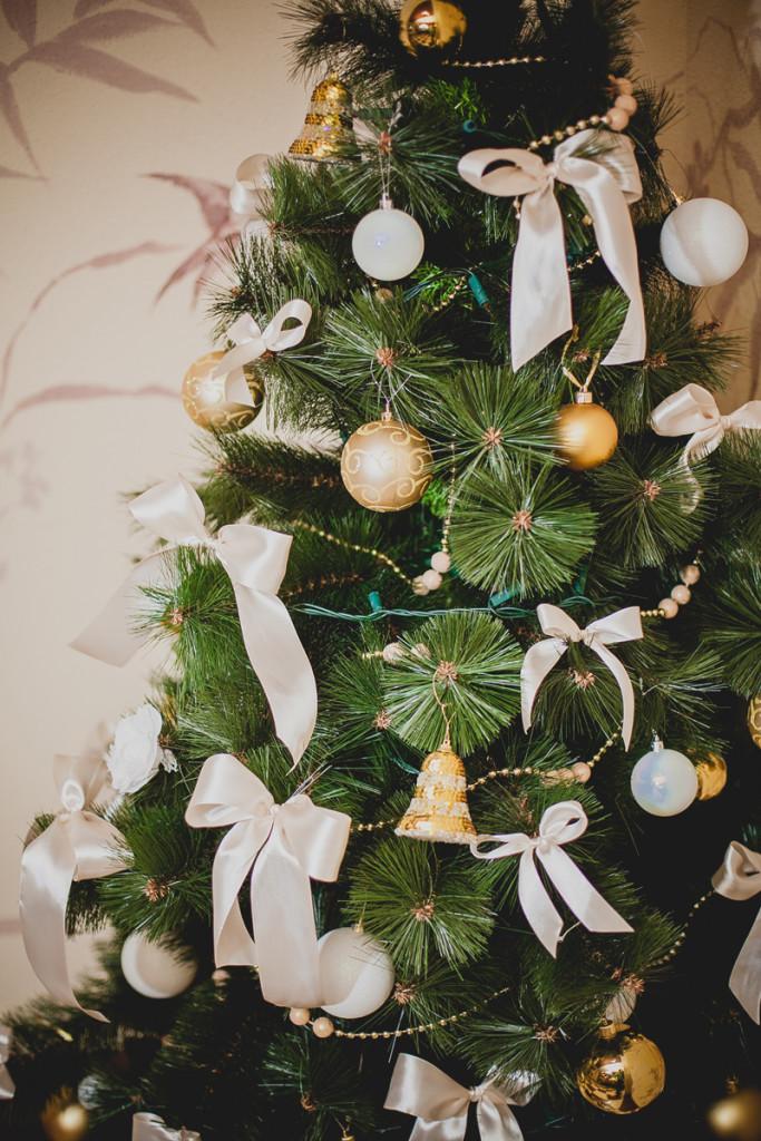 Restaurant Christmas decorations. Christmas tree
