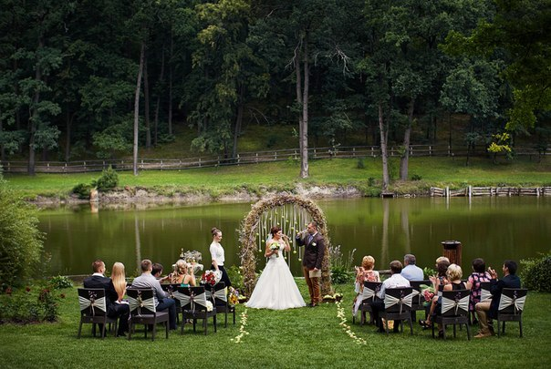 """Eco Apple Wedding"" ceremony"