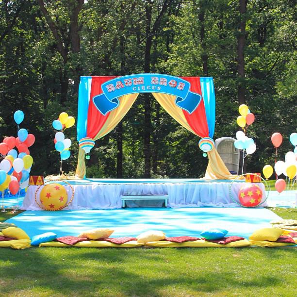 """Wizard of Oz"" birthday party, scene decorations"