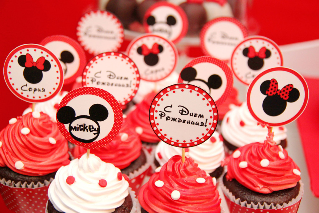 """""""Mickey Mouse"""" party. Candy bar details"""