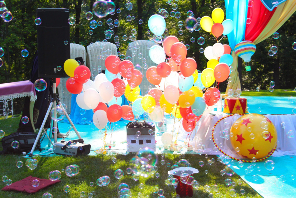 """""""Wizard of Oz"""" birthday party decorations"""